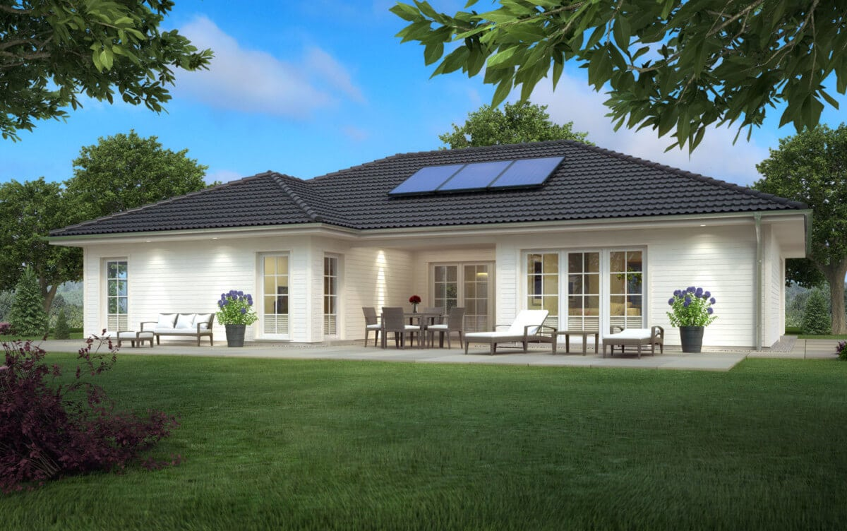 Landhaus Bungalow mit Holz Fassade & Walmdach Architektur, 4 Zimmer, 160 qm - Haus ebenerdig bauen Ideen ScanHaus Marlow Fertighaus Bungalow SH 169 WB - HausbauDirekt.de