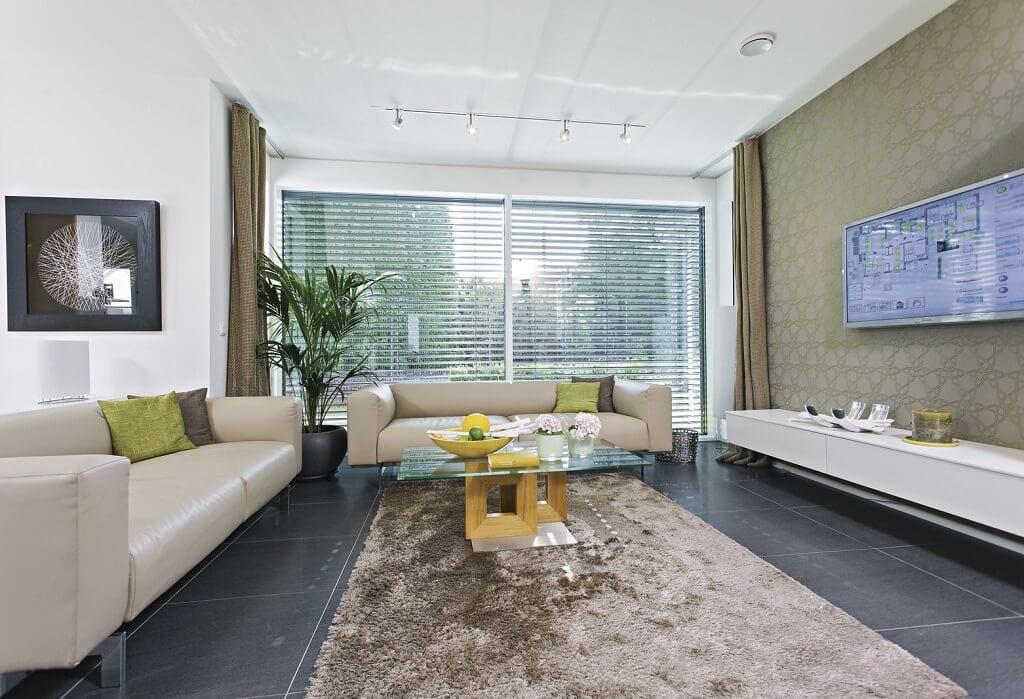 Wohnzimmer Ideen - Stadtvilla Inneneinrichtung WeberHaus Fertighaus City-Life Haus 250 - HausbauDirekt.de