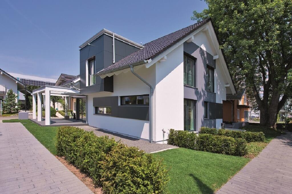 Einfamilienhaus modern mit Satteldach & Gaube - Haus bauen Design Ideen WeberHaus Fertighaus Generation 5.5 Haus 300 - HausbauDirekt.de
