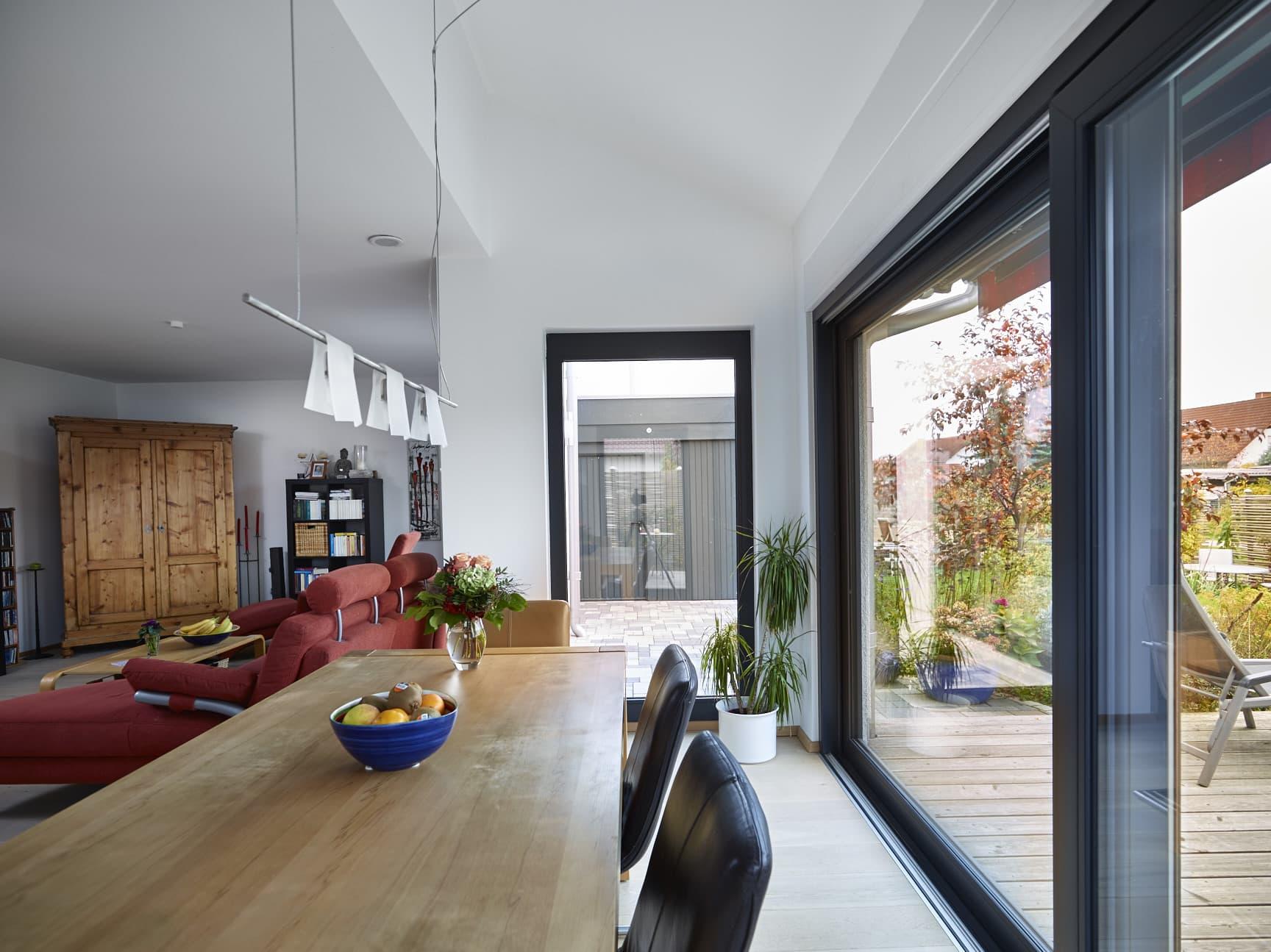 Inneneinrichtung Esszimmer mit Erker - Fertighaus Bungalow Marmilla von GUSSEK HAUS - HausbauDirekt.de