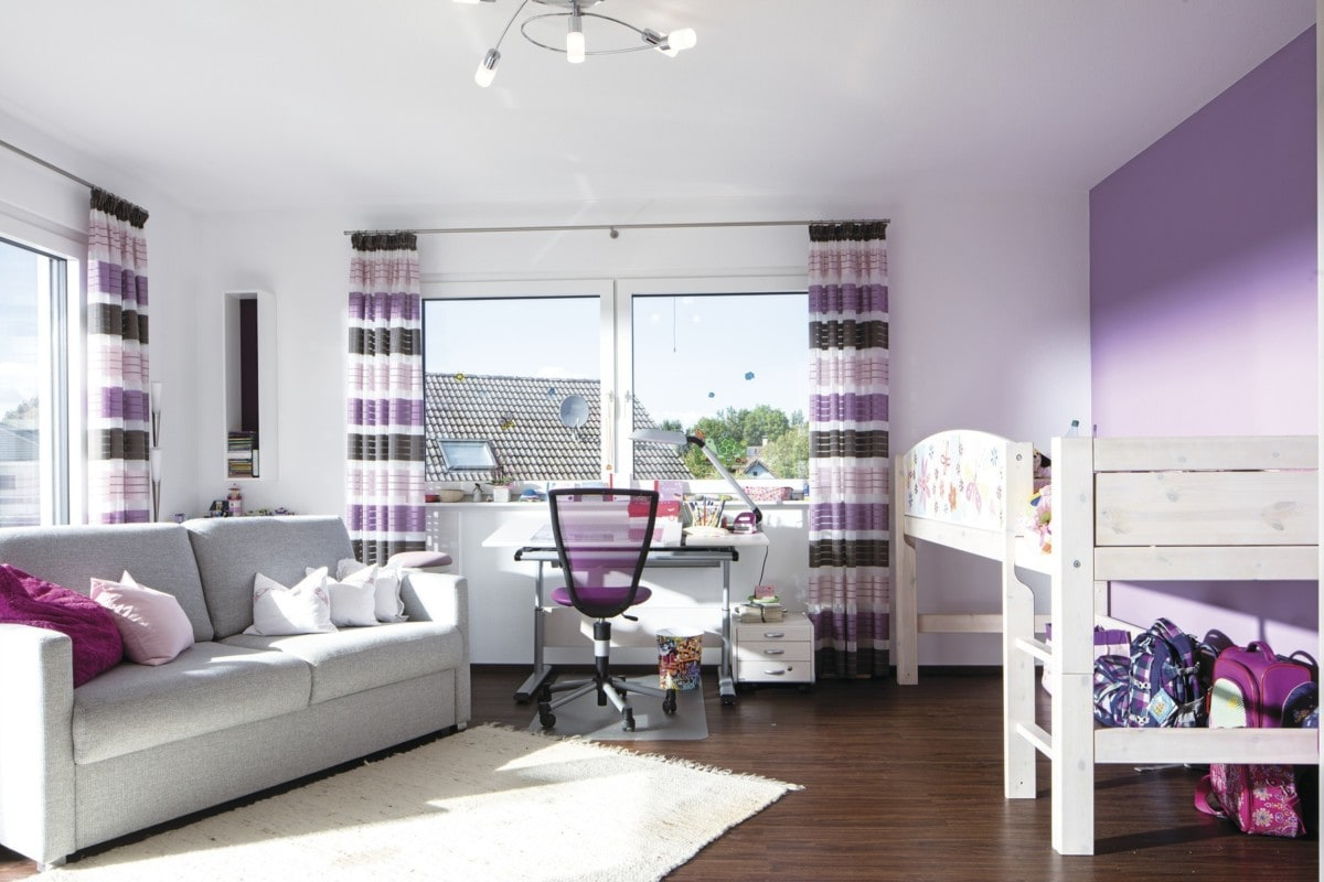 Kinderzimmer Mädchen lila mit Hochbett - Haus Design innen Ideen Einrichtung WeberHaus Stadtvilla - HausbauDirekt.de