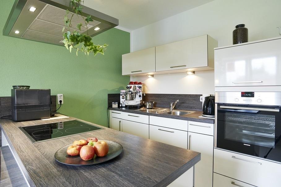 Küche - Haus Design Ideen innen modern Town Country Musterhaus Klein Roennau FLAIR 134 - HausbauDirekt.de