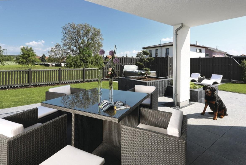 Loggia - Haus Design Ideen Fertighaus Stadtvilla City Life Kundenhaus von WeberHaus - HausbauDirekt.de