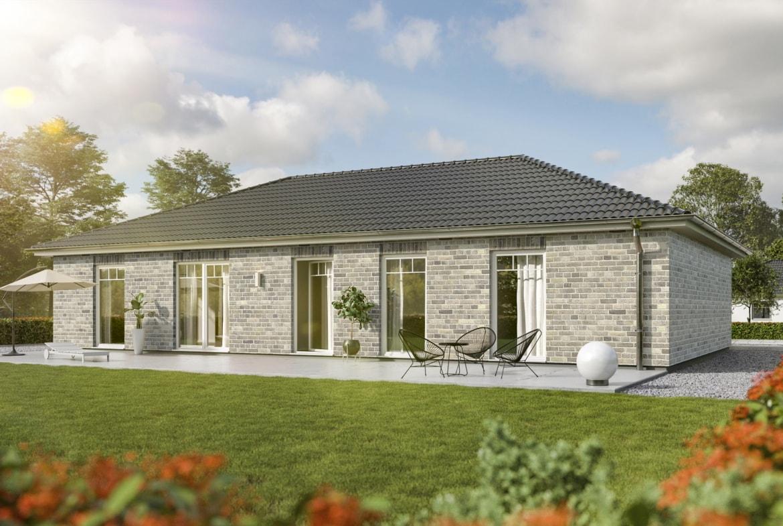 Bungalow Haus ebenerdig mit Klinker Fassade & Walmdach, 5 Zimmer, 130 qm - Massivhaus bauen Ideen Town Country Haus Bungalow 131 Klinker hellgrau - HausbauDirekt.de