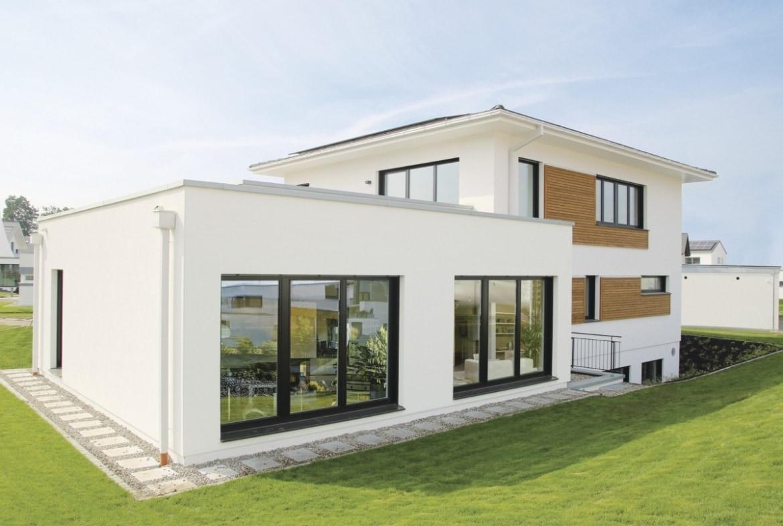 Fertighaus Stadtvilla modern mit Walmdach & Erker Anbau, 5 Zimmer, 175 qm - Fertighaus bauen Ideen WeberHaus Stadtvilla Guenzburg - HausbauDirekt.de