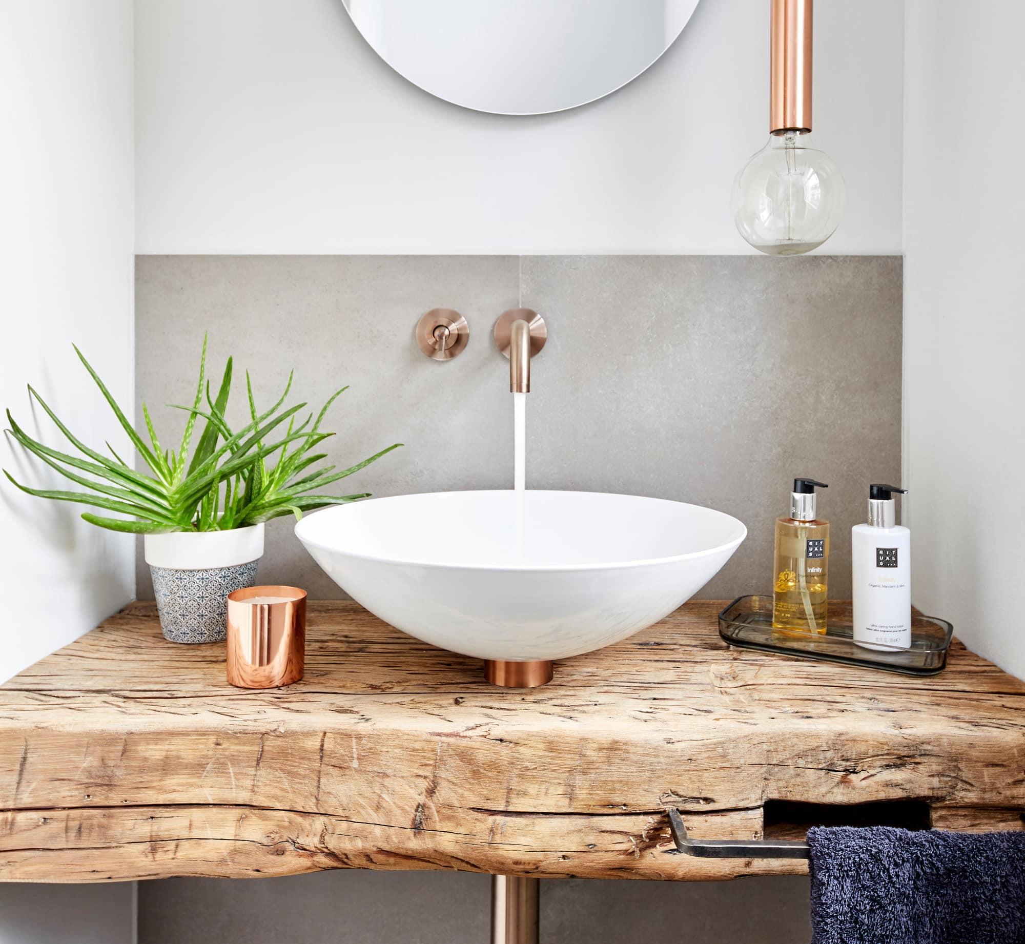 Waschtisch modern rustikal mit Holz - Ideen Inneneinrichtung Haus Design Baufritz STADTHAUS EHRMANN - HausbauDirekt.de