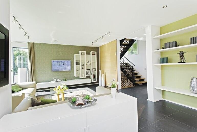 Wohnzimmer modern offen - Haus Design innen, Inneneinrichtung Ideen Stadtvilla Einfamilienhaus WeberHaus CityLife - Haus 250 - HausbauDirekt.de